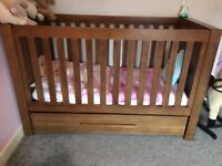 VIB Dark wood nursery furniture set - EXCELLENT CONDITION