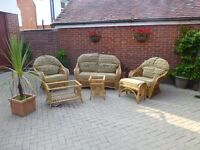Good condition very comfortable conservatory furniture set