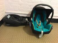 Maxi Cosi cabriofix car seat with Maxi Cosi easybase 2 belted car seat base