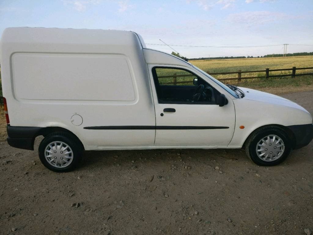 0b84fef6261db9 Ford courier van