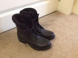 New Look Boots Size 5/38 (Price Negotiable/ Self-collection in Bristol)