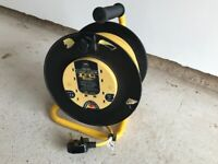 Cable reel. Four socket 25 metres with thermal cut out