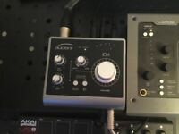 Audient ID4 interface with box and usb