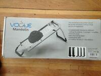 Vogue Mandolin with 5 blades and 5 Spare Blades