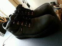 Never used ~ Toesavers size 10 workboots