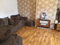 AN IMMACULATE TWO DOUBLE BEDROOM GROUND FLR MAISONETTE LOCATED WITHIN WALKING DISTANCE TO HOU WST ST
