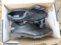 Hi Tec black golf shoes size 8 UK