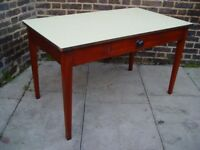 FREE DELIVERY Formica Dining/ Kitchen Table Retro Vintage Furniture