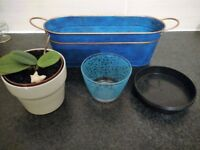 Selling some pots and vases for home gardening