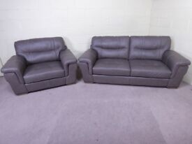 QUALITY EX DISPLAY 'DAYSON' LEATHER 3 SEATER & SNUGGLER ARMCHAIR IN TAUPE GREY SETTEE/SUITE