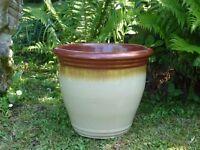 Stylish Ceramic Cream Garden Planter with Brown Trickle Detail Rim 26cm Tall