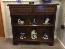 Mahogany unit with drawers