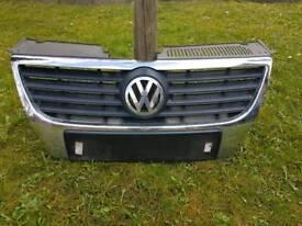 VW PASSAT B6 FRONT BUMPER GRILL