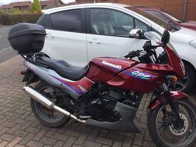 Kawasaki GPZ500 motorbike 1996N.