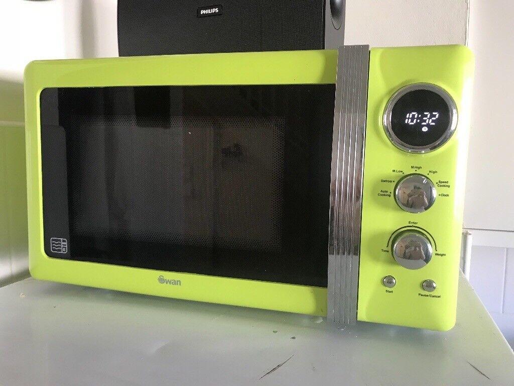 Swan 800W green microwave