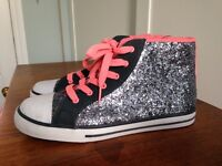 Girls / Ladies dark silver sparkly baseball boots size 6 (39.5) - New with tags