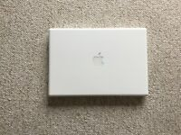 Apple MacBook 2,1 (13-inch Mid 2007) 120GB Solid State Drive, 3GB Memory, and software package
