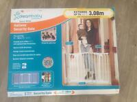 Dreambaby Extra Wide Safety Gate