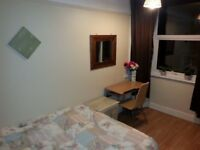 Double room including bills 2min walk from Barking station less then 1min from bus