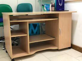 Computer/Study Desk -Very good condition!