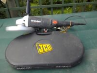 Wickes 2000w 230mm Angle Grinder with 11 assorted unused JCB discs