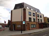 Large 4 bedroom Flat, wood flooring, Furnished, 3-4 minute walk to Hackney Central E9 6LH