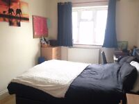 Large room with ensuite in Manor House