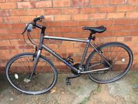 Raleigh Strada 2 Men's hybrid bike