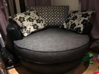 Twin 360 cuddle chair