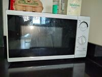 Tesco Solo Microwave MM08 Value 17L White