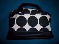 New Avon Holiday Make Up / Vanity Bag IP1