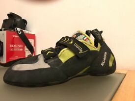 Scarpa vapour v climbing shoes