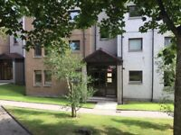 2 bed ff flat near RGU Headland Court with se, dg and parking.