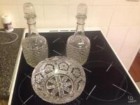2x decanters and fruit bowl