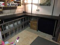 Worktop 'L' shape with breakfast bar legs - Black