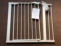 Lindam Easy Fit Plus Deluxe Safety Gate with 14cm Extension