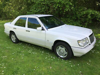 1998 MERCEDES W124 E220 - 5 SPEED MANUAL - IMMACULATE - LOW MILEAGE