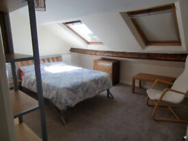 lovely double room in friendly house share ideal newcomer no fees all bills included