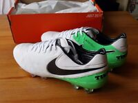 *NIKE TIEMPO LEGEND VI FG* FIRM-GROUND FOOTBALL BOOTS ((BRAND NEW)) SIZE 9UK 44EUR