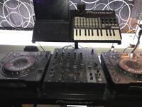 Pioneer cdj800 dj cd decks x 2 djx750 mixer and stand