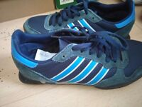 Addidas size 7 blue trainer