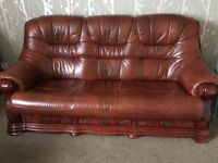 Immaculate Leather 3piece suite