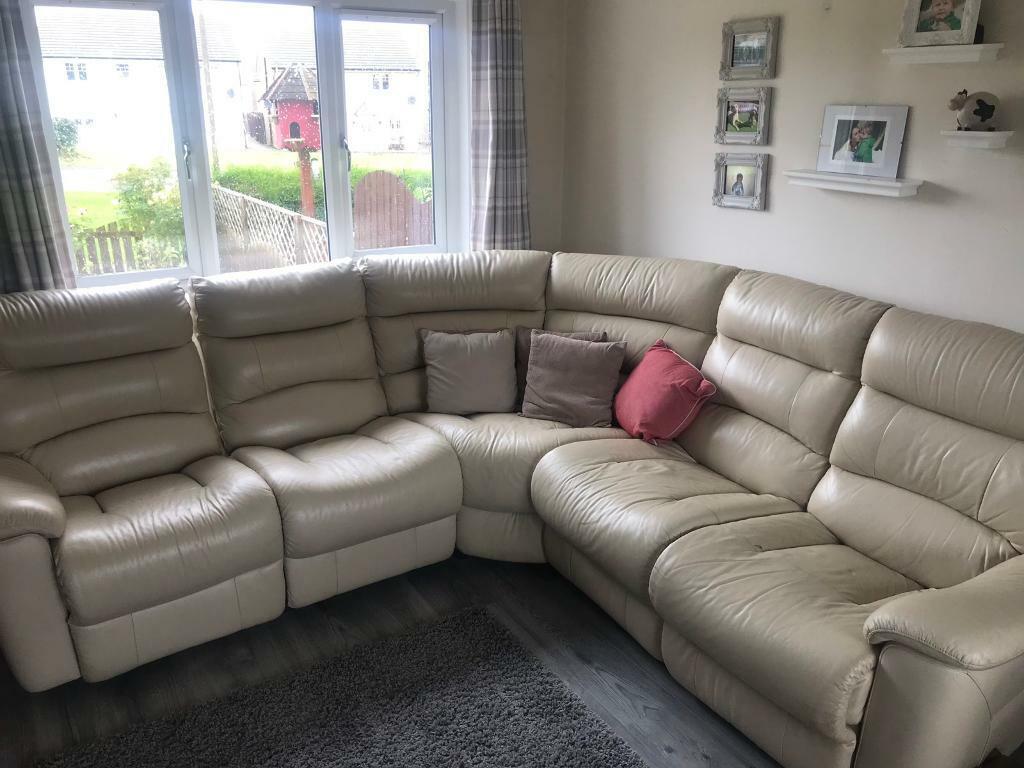 Peachy Scs Cream Leather Recliner Sofa In Good Condition In Whitburn West Lothian Gumtree Inzonedesignstudio Interior Chair Design Inzonedesignstudiocom