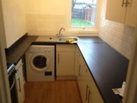 RENT EXTRA LARGE DOUBLE ROOM IN EAST HAM - AVAILABLE.
