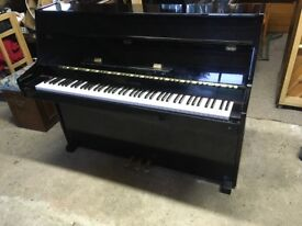 Quality Young Chang / Yamaha Modern Compact Upright Piano Gloss Black *free delivery*