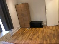 large double room to let @ E7 9ET all bills inclusive excellent east London location available now!!