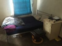Single room for rent in 2 bed room flat