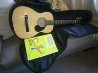 SX 3/4 Junior /kids guitar. With case and cd-book. Like new.