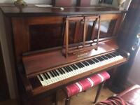 Monington Piano