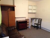 A Large Double Room is for Rent In Plumstead -£480